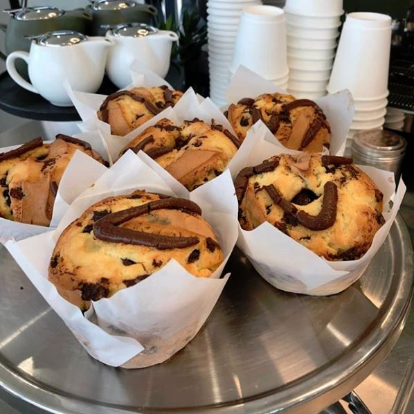 Places To Eat Near Gumbuya World - Muffins at The Bakery Store